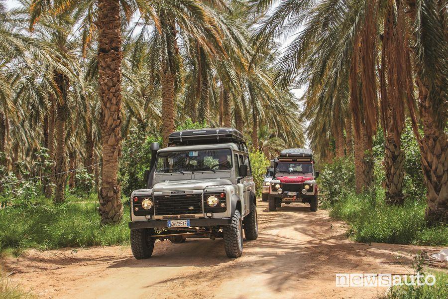 Land Rover Defender in viaggio Tunisia