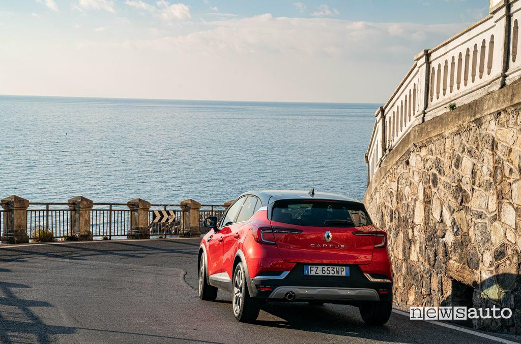 Posteriore con fari full led della Renault Captur 2020
