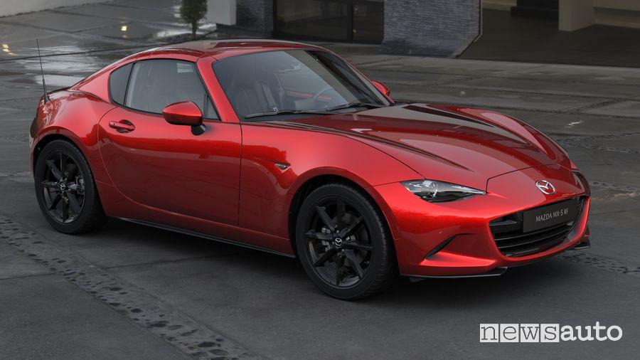 Vista di profilo Mazda MX-5 RF 2020 Soul Red Crystal