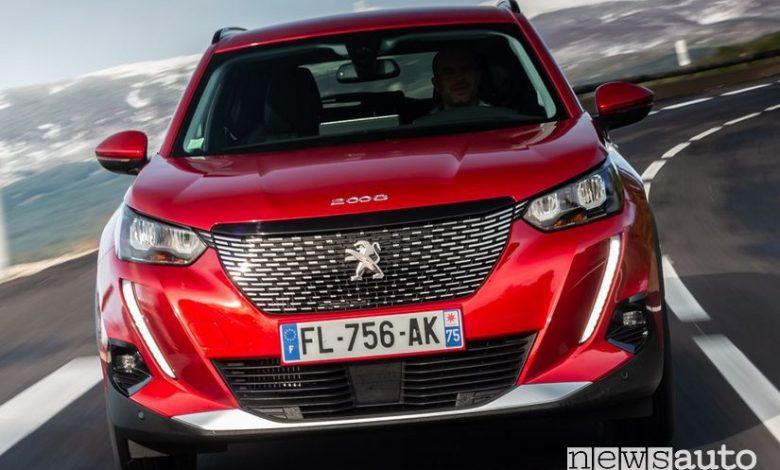 Vista anteriore Peugeot 2008 Navi Pack