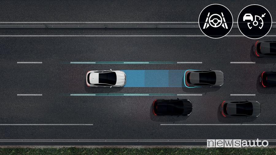Cruise Control Adattivo guida autonoma di livello 2 Renault Megane 2020