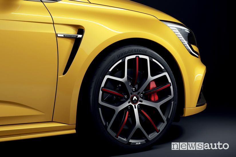 Cerchi in lega ed impianto frenante Renault Megane RS Trophy 2020