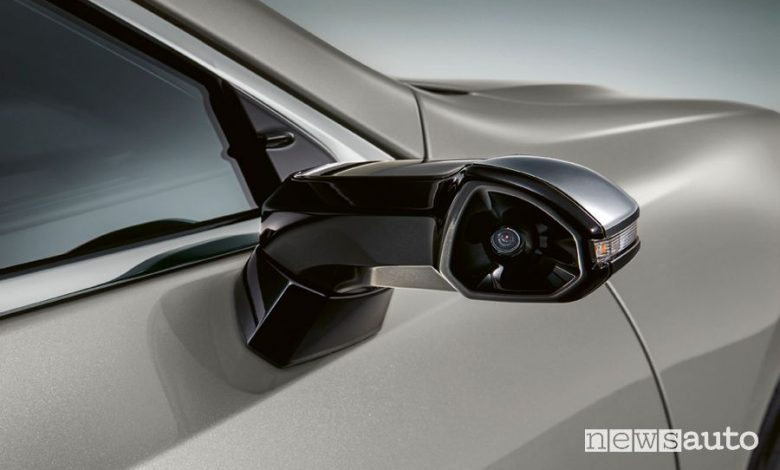 Specchietti virtuali telecamere Lexus ES 300h