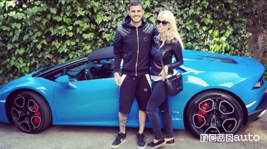 Mauro Icardi e Wanda Nara e la Lamborghini Huracan Spyder