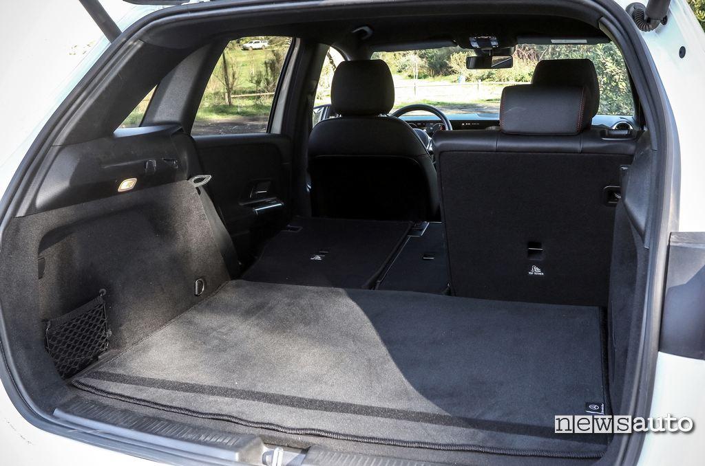 bagagliaio Mercedes B180d 2020