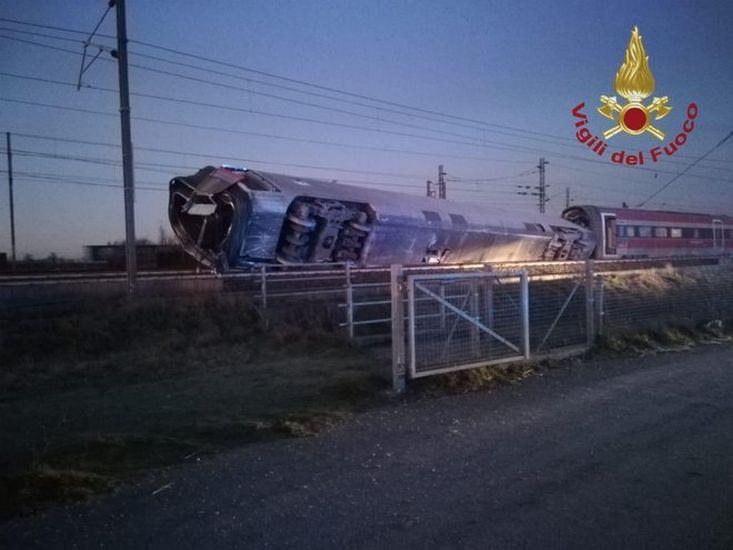 incidente deragliamento treno Frecciarossa Milano-Salerno