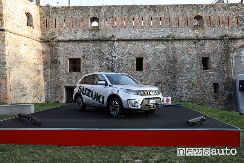 Suzuki Vitara Hybrid in esposizione al Forte di Santa Tecla