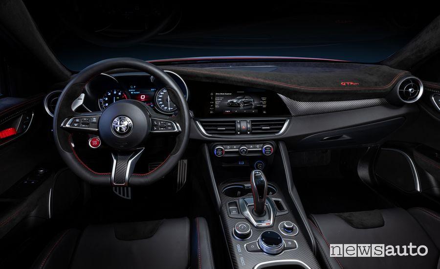 Interni, plancia strumenti Alfa Romeo Giulia GTAm
