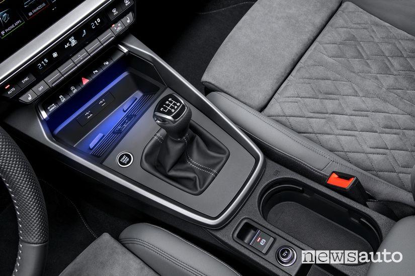 Leva cambio manuale consolle centrale abitacolo Audi A3 Sportback 2020