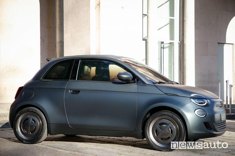 Fiat 500 elettrica One-Off Giorgio Armani