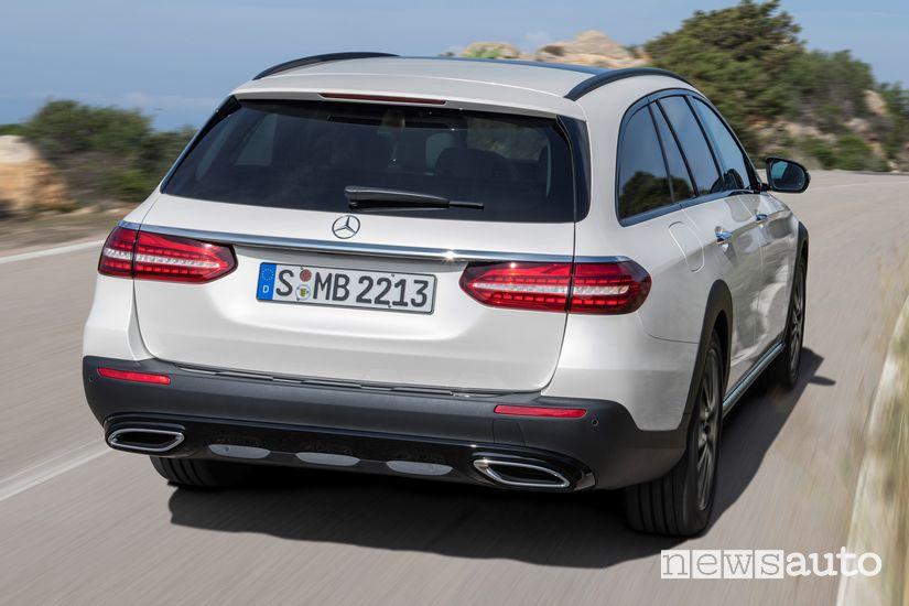 Vista posteriore Mercedes-Benz Classe E All Terrain 2020