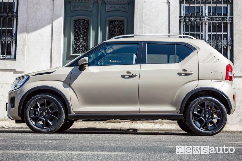 Vista laterale Suzuki Ignis Hybrid 2020