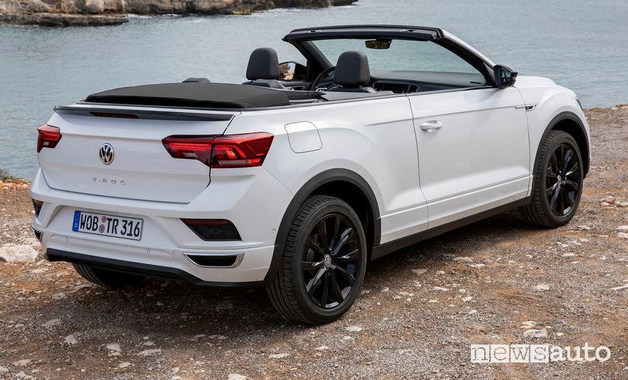 Vista posteriore Volkswagen T-Roc Cabriolet R-Line bianca