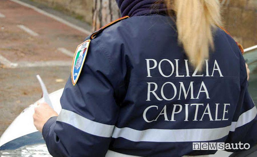Polizia di Roma Capitale posto di blocco coronavirus Roma