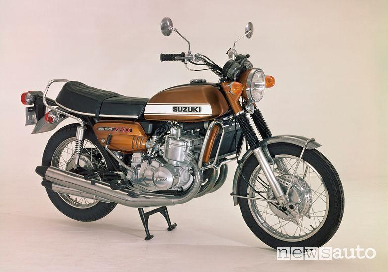 Suzuki GT750 moto del 1971