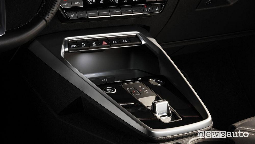 Selettore cambio automatico con tecnologia shift-by-wire abitacolo Audi A3 Sedan