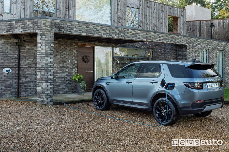 Ricarica domestica da wallbox Land Rover Discovery Sport ibrida plug-in