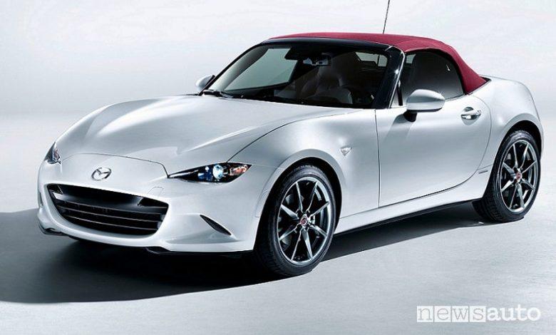 Vista di profilo Mazda MX-5 100th Anniversary Special Edition