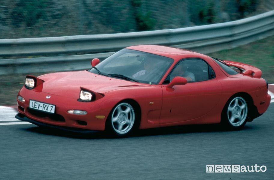 Mazda RX-7 3^ serie del 1993 in pista