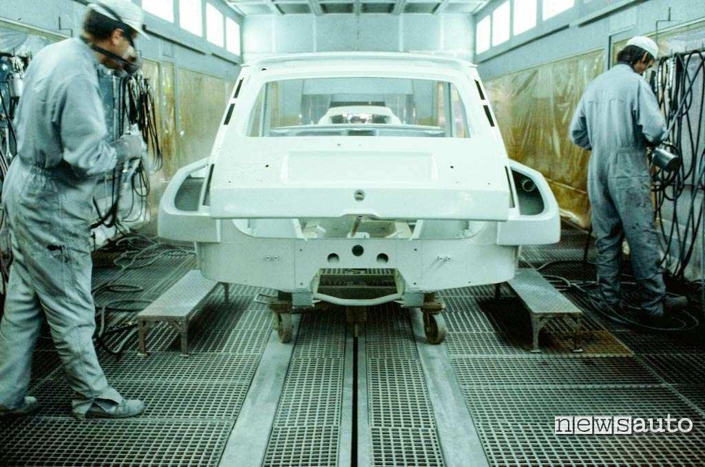 Renault 5 turbo assemblaggio carrozzeria presso stabilimento Alpine a Dieppe