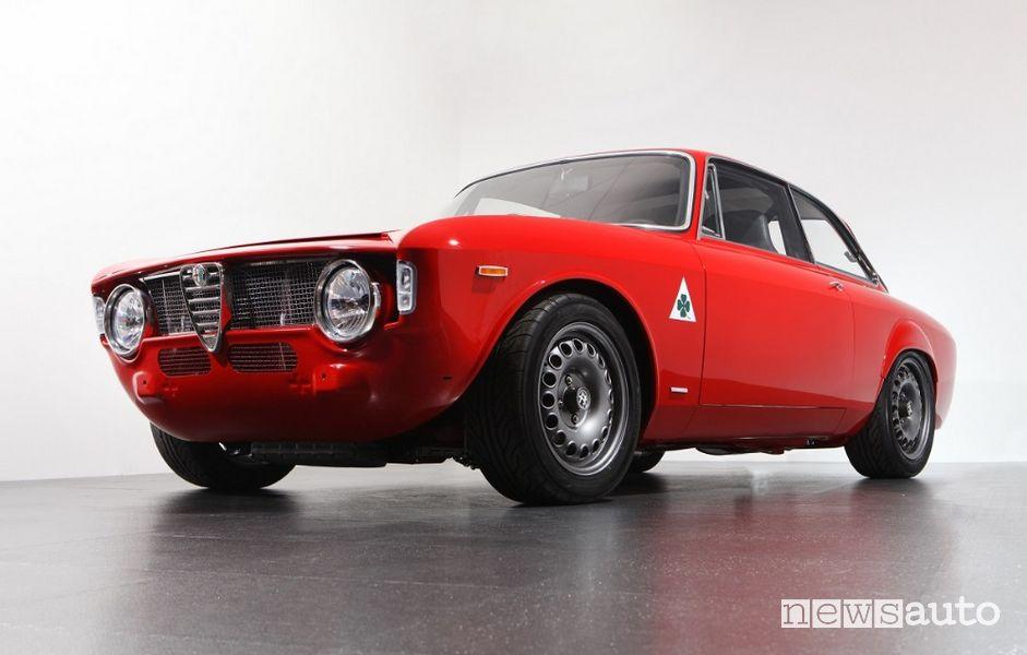 Alfa Romeo GTA-R 290, con scocca interamente in carbonio (restomod)