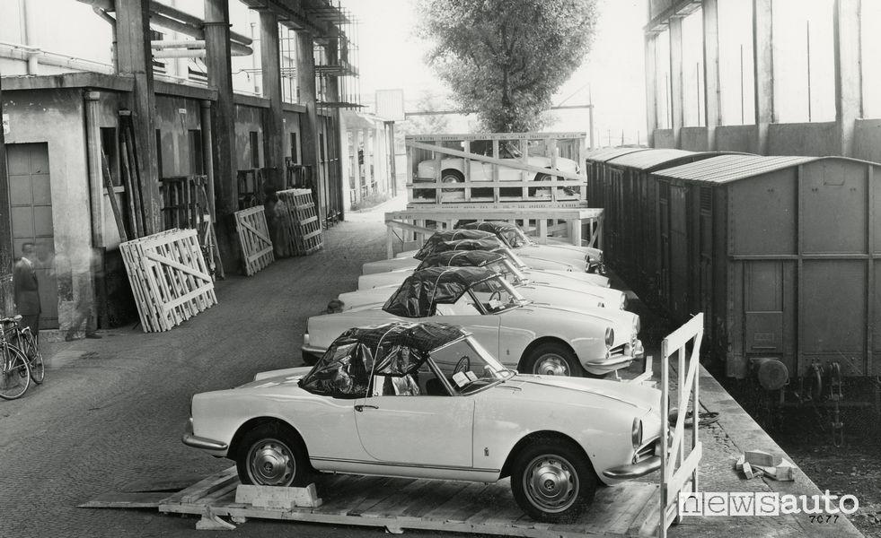 Alfa Romeo Giulietta Spider in partenza per gli USA, 1955