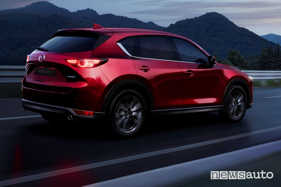 Vista posteriore Mazda CX-5 2020 Soul Red Crystal