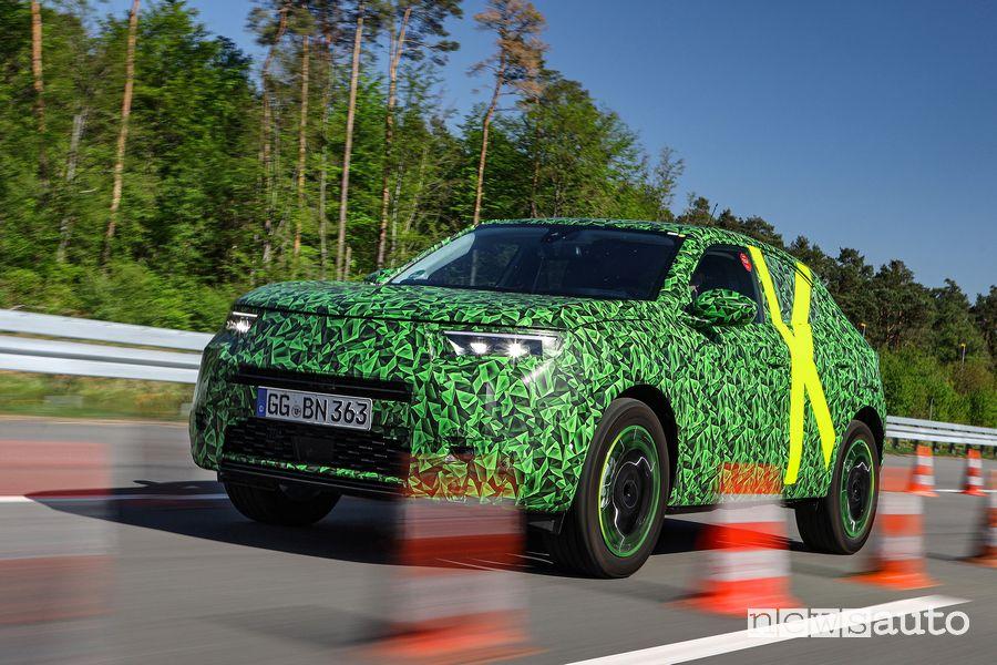 Opel Mokka test su pista in Germania