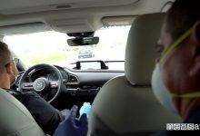 Photo of Come andare in auto con il Covid-19, mascherina e distanza anche tra congiunti