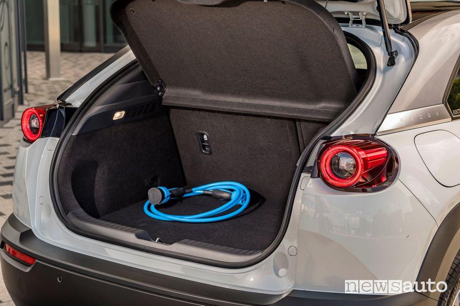 Cavo di ricarica di tipo 2 in dotazione alla Mazda MX-30 elettrica