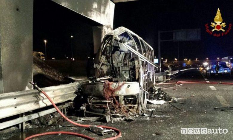 Incidente bus, condannato l'autista a 12 anni