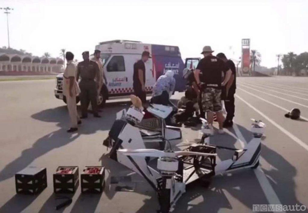 Quello che resta del drone moto scooter schiantato al suolo della Polizia Dubai