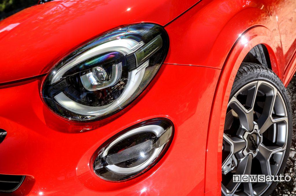 fari a LED anteriori Fiat 500X Sport