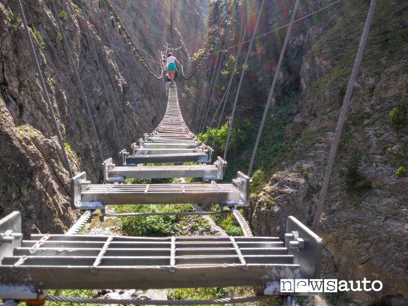 ponte più lungo al mondo ponte tibetano