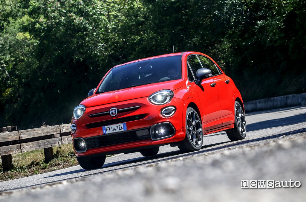 Come va la Fiat 500X Sport con motore 1.3 turbo firefly 150 cv, test su strada, prova, impressioni di guida