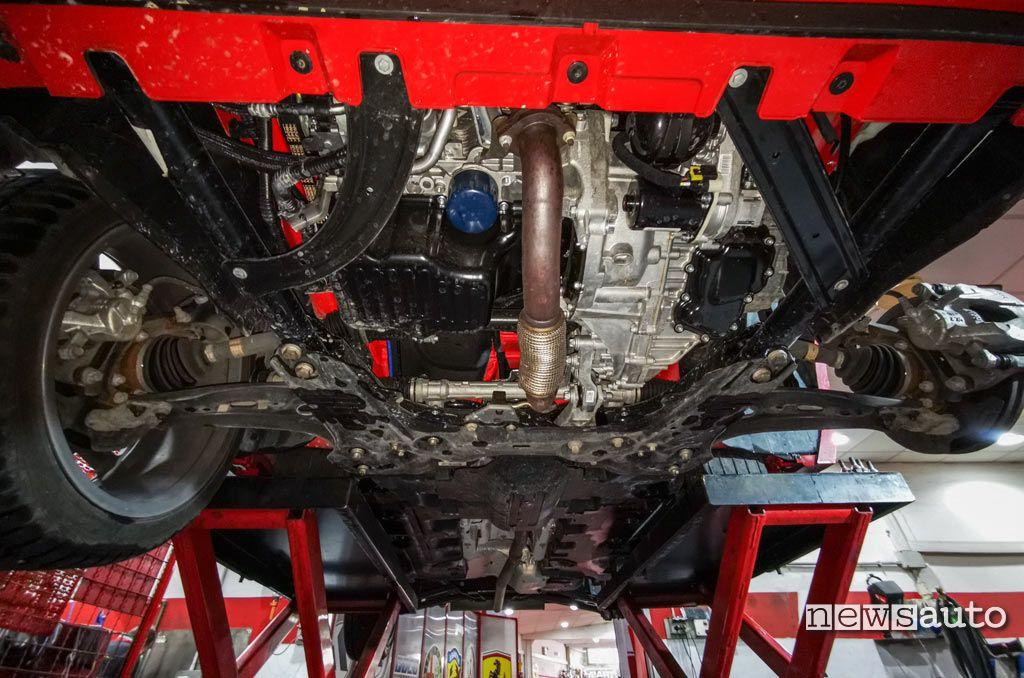 Vista inferiore motore Fiat 500X Sport 1.3 Firefly Turbo da 150 CV