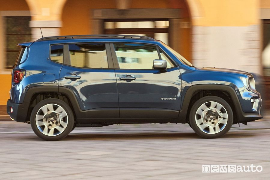 Vista laterale Jeep Renegade 4xe Limited ibrida plug-in