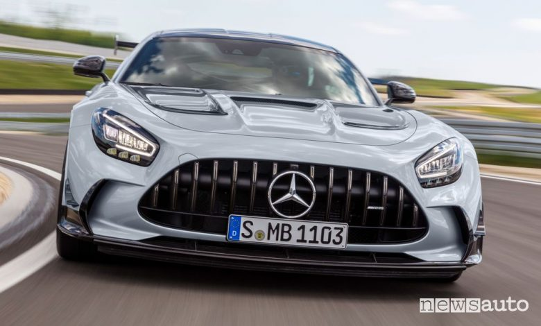 Vista frontale Mercedes-AMG GT Black Series