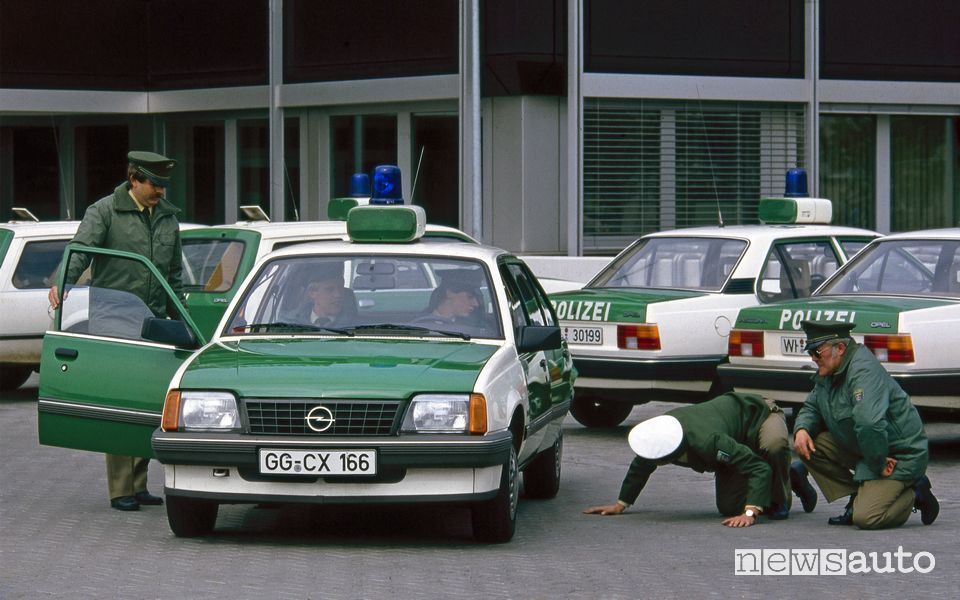 Opel Ascona 1.8i in dotazione alla polizia della Renania-Palatinato
