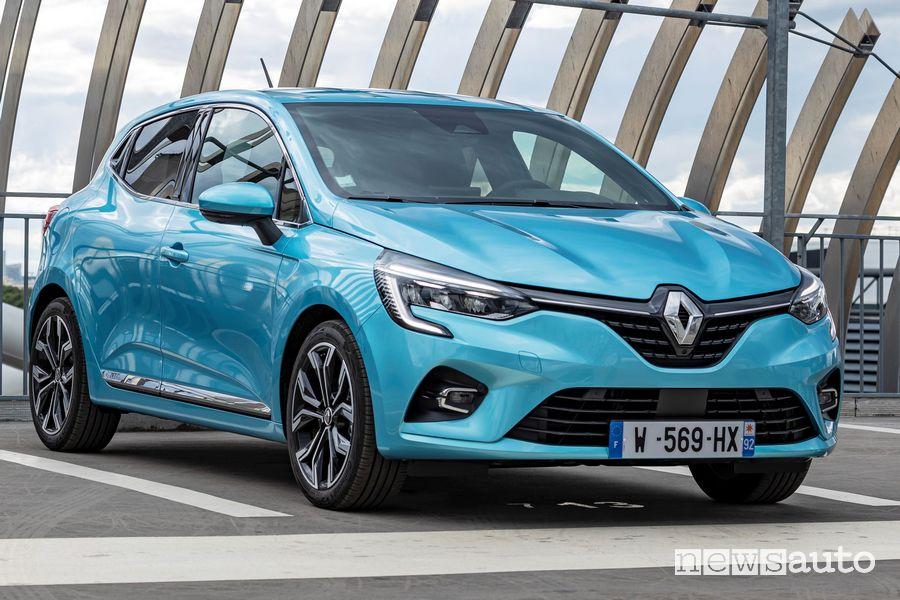 Vista di profilo Renault Clio E-Tech ibrida