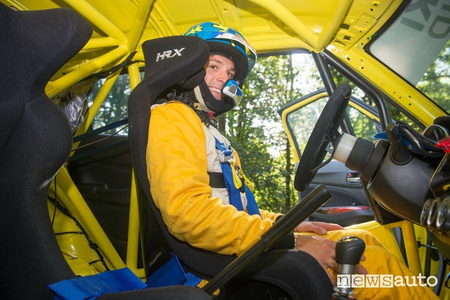 Simone Goldoni al volante della Suzuki Swift Sport Hybrid R1