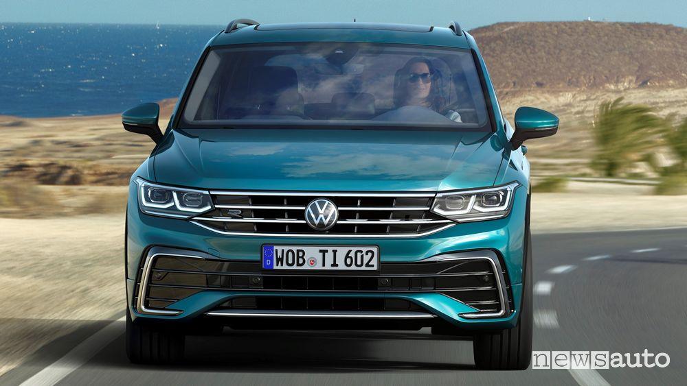 Vista frontale Volkswagen Tiguan 2021 R Line