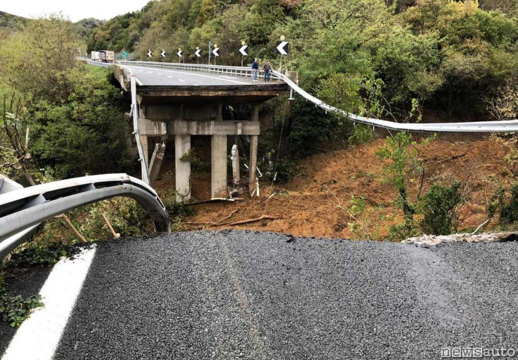 Crollo ponte Torino-Savona