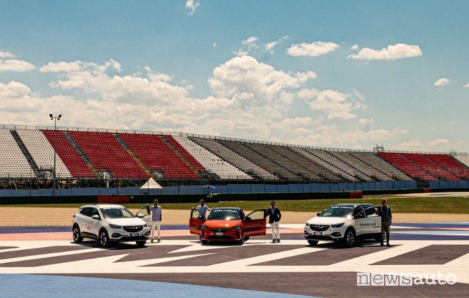 auto ufficiali del circuito di Misano: Opel Grandland X Hybrid e-Corsa elettrica
