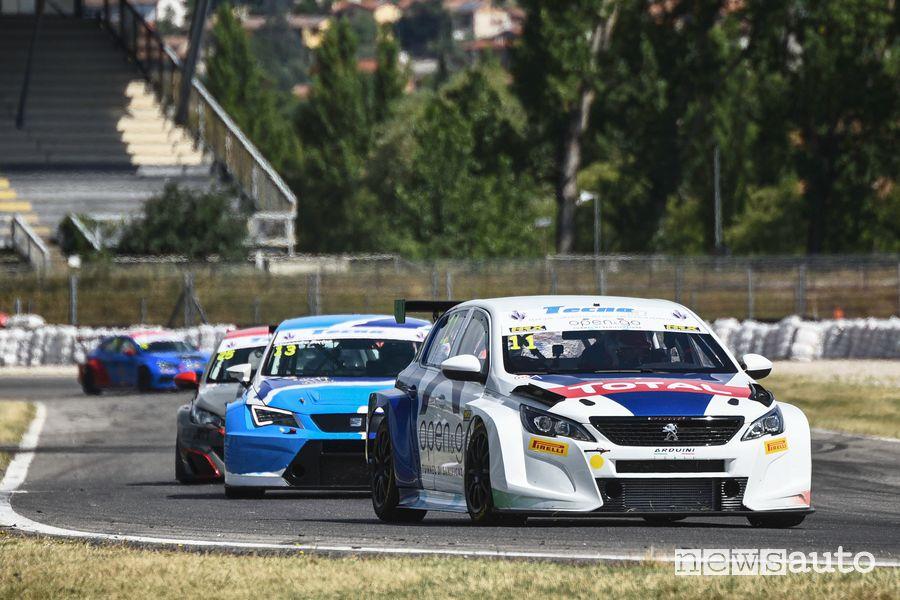 La Peugeot 308 TCR sulla pista di Magione nel Trofeo Super Cup