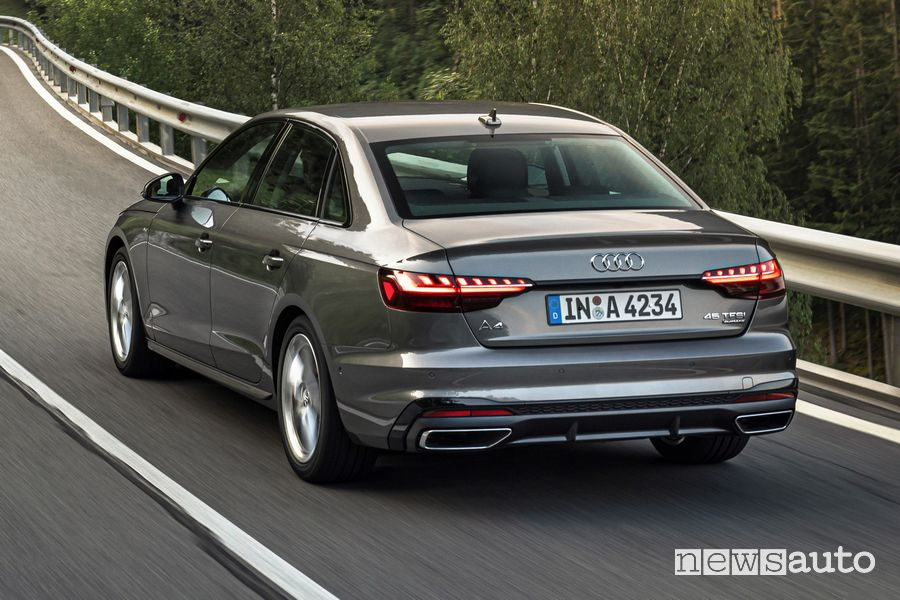 Vista posteriore Audi A4 Sedan