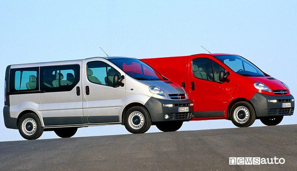 Opel Vivaro-A prima serie del 2000 versione furgone e combi.