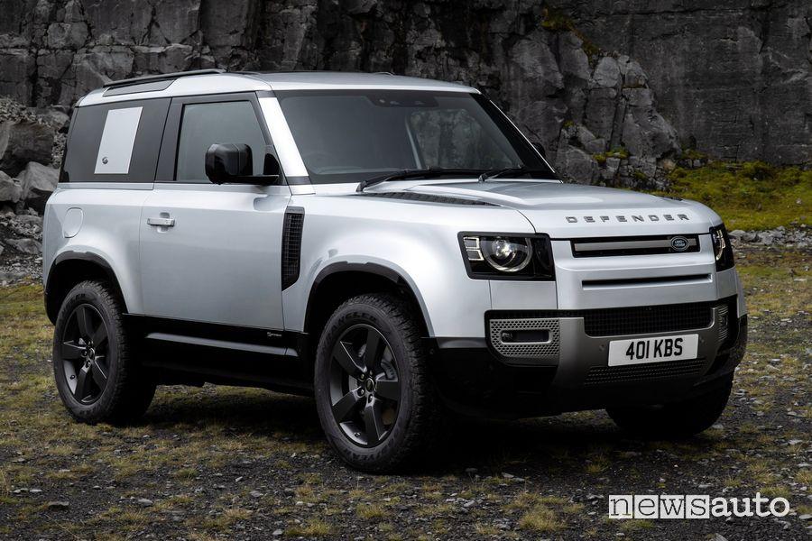 Vista di profilo Land Rover Defender X-Dynamic