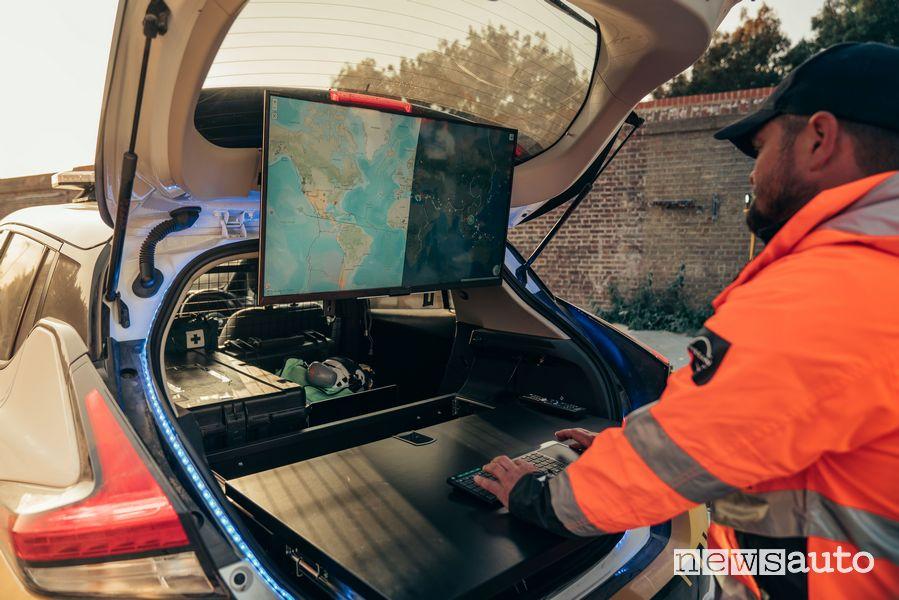 """Schermo LED 32"""" per le operazioni di coordinamento emergenza"""