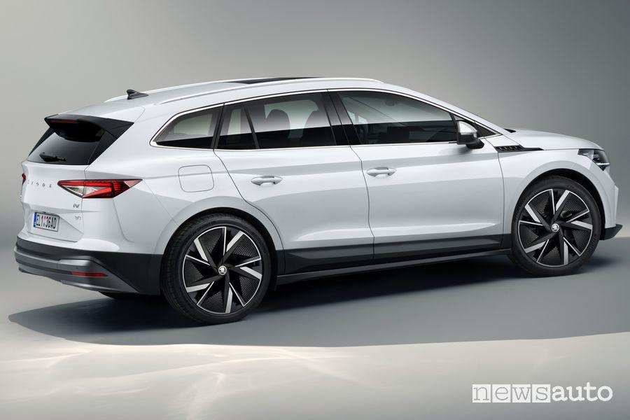 Vista laterale Škoda Enyaq iV